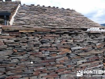 Majaelrayo - Pueblos arquitectura negra; zapatos para senderismo
